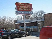 USA - Chicago IL - Dell Rhea Chicken Basket (7 Apr 2009)