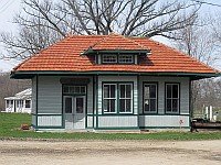 USA - Funks Grove IL - Old Railroad Depot (9 Apr 2009)