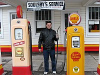 USA - Mt Olive IL - Old Soulsby Shell Station Pumps with Johari (10 Apr 2009)