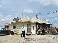 USA - Pontiac IL - Old Log Cabin Restaurant Original Gas Station Section(8 Apr 2009)