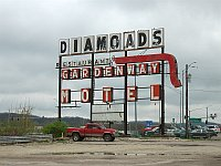 USA - Gray Summit MO - Diamonds Restaurant & Gardenway Motel Sign (13 Apr 2009)