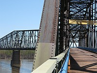 USA - Venice MO - Old Chain of Rocks Bridge Dogleg 22 deg (11 Apr 2009)