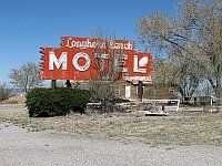 USA - Wagon Wheel NM - Abandoned Longhorn Ranch Motel Neon Sign (21 Apr 2009)
