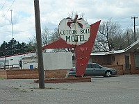 USA - Canute OK - Former Cotton Boll Motel (19 Apr 2009)