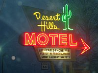 USA - Tulsa OK - Desert Hills Motel Neon Sign (16 Apr 2009)