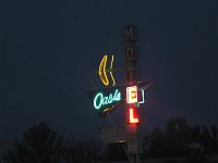USA - Tulsa OK - Oasis Motel Neon Sign (16 Apr 2009)