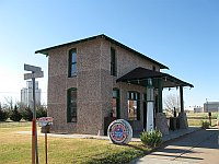 USA - Vega TX - Restored 1926 Magnolia Gasoline Station (21 Apr 2009)