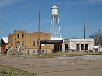 USA - McLean TX - Abandoned Service Station & Water Tower (20 Apr 2009)